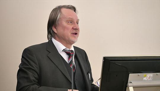 Профессор университета Станислав Некрасов отметил, что идею проведения семинара позитивно восприняли многие ученые из других российских