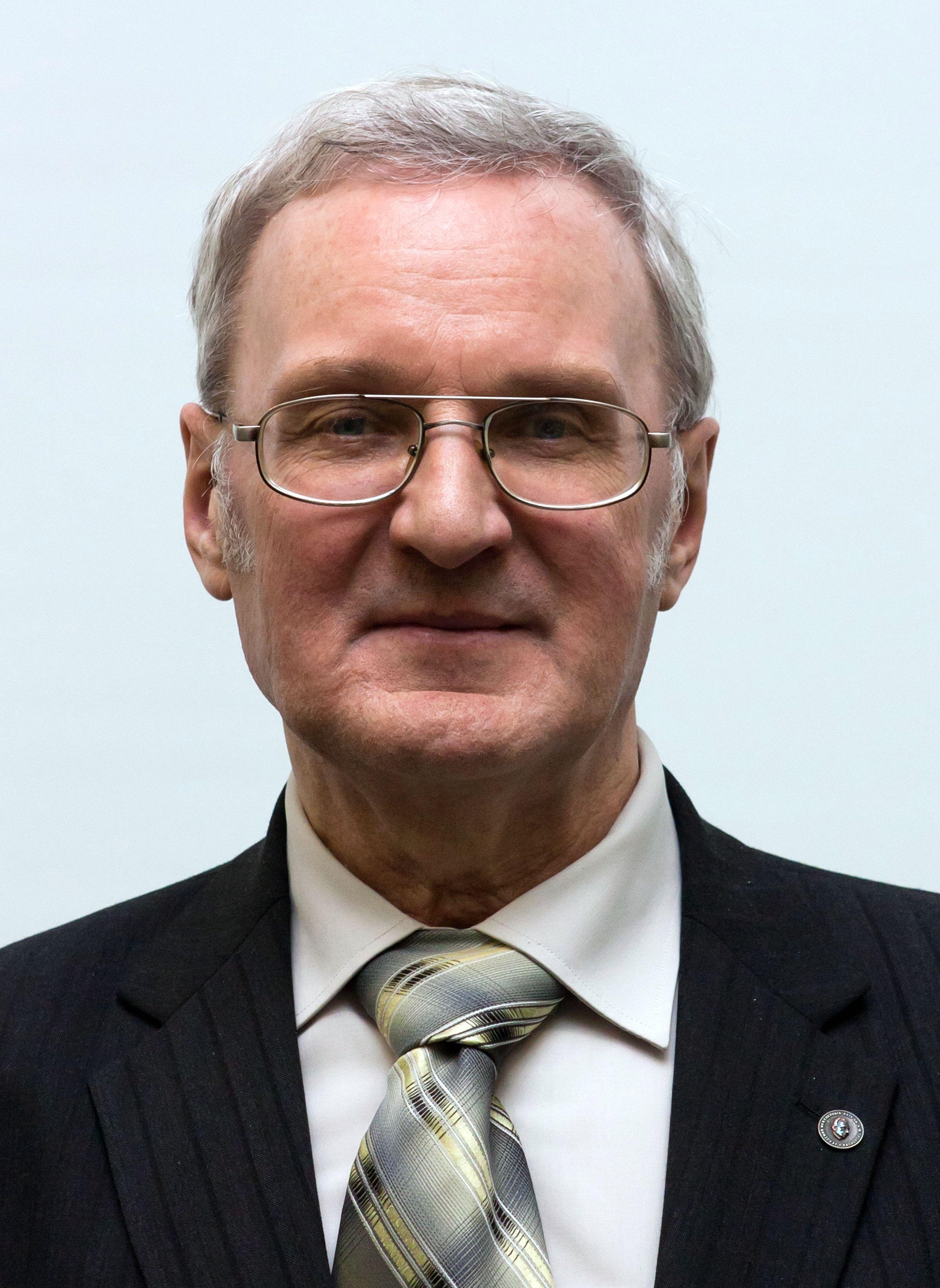 Иванов Вячеслав Элизбарович